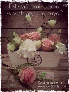 Regalo Día de la Madre, caja de madera con composición de hortensia y rosas, romántico vintage