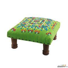 Juego de taburetes bordados verde