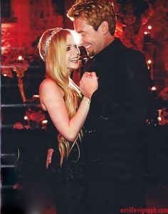 """""""Let Me Go"""" - Avril Lavigne & Chad Kroeger Adult Pop Songs Chart Peak: 20 (Jan. 4, 2014)   20 Best Love Songs by Real-Life Couples"""