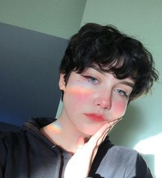 Likes, Comments - chloe : Tomboy Hairstyles, Pixie Hairstyles, Pretty Hairstyles, Pixie Haircuts, Aesthetic People, Aesthetic Hair, Girl Short Hair, Short Hair Cuts, Short Hair Tomboy