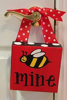 I <3 bees!  (and red, black, and white, too!)