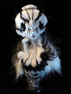 Virginie Ropars's figures are in between sculpture, fashion design and illustration, building up visions sometimes full of wonders, other times strange and Sculpture Art, Sculptures, Lobster Art, Halloween Tags, Art Textile, Special Effects Makeup, Illustration, Fantasy Makeup, Gothic Makeup
