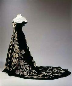 1896 dress