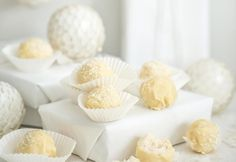 Kookoslumipallot | Koti ja keittiö - muokattavissa myös helposti cleaniksi!