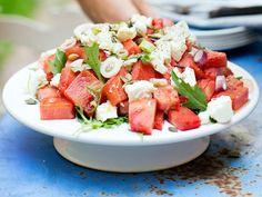 10 goda grönsaker att grilla | ELLE mat & vin Caprese Salad, Cobb Salad, Vegetarian Recipes, Healthy Recipes, Sugar And Spice, Clean Recipes, Finger Foods, Watermelon, Side Dishes