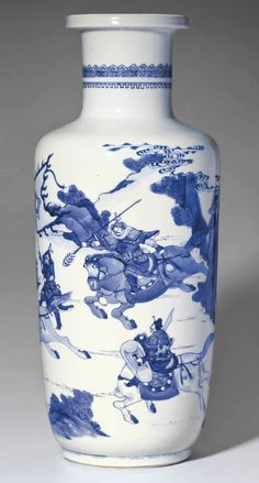 A BLUE AND WHITE ROULEAU VASE (46 cm) KANGXI PERIOD (1662-1722)