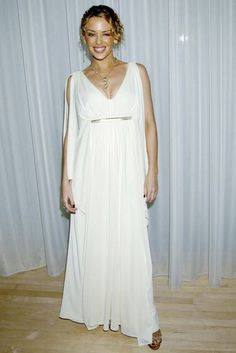 Kylie Minogue Goes Grecian In A Simple White Dress At Her Birthday Party, May 2002 Simple White Dress, Evolution Of Fashion, Kylie Minogue, Summer Dresses, Formal Dresses, Fashion Dresses, Victoria, My Style, Sexy
