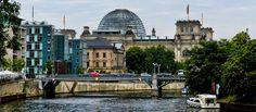 Le Petit Dincrou nous raconte sur sa journée à Berlin. Rejoins le Petit Dincrou de la Gare Centrale jusqu'au Kurfürstendamm