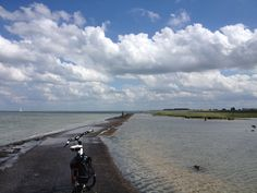 """Ein Radweg """"durchs"""" Meer"""