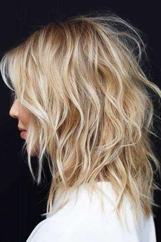 Caramel Blonde Shaggy Cut For Medium Hair mittellanges haar medium hair haar Medium Shag Haircuts, Shaggy Haircuts, Straight Haircuts, Haircut Medium, The Shag Haircut, Shag Hair Cut, Long Shag Hair, Haircut For Medium Length Hair, Modern Shag Haircut