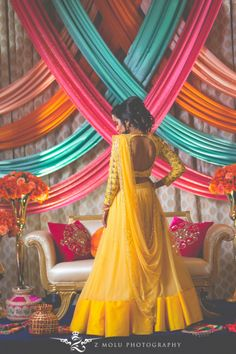 Looking for Bridal back with full sleeved yellow lehenga? Browse of latest bridal photos, lehenga & jewelry designs, decor ideas, etc. Desi Wedding Decor, Wedding Hall Decorations, Sikh Wedding, Pre Wedding Photoshoot, Wedding Pics, Aladdin Et Jasmine, Yellow Lehenga, Lehenga Top, Anarkali Lehenga