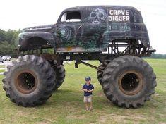Lifted Trucks Bigger Than A Monster , Cooler Than You Think, Dread! Lifted Trucks größer als Godzilla, sie sind cooler als Sie dachten! 4x4 Trucks, Custom Trucks, Lifted Trucks, Cool Trucks, Chevy Trucks, Cool Cars, Lifted Chevy, Mudding Trucks, Redneck Trucks