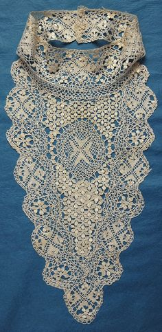 Silk Maltese bobbin lace featuring the Maltese Cross in the design Victorian Lace, Antique Lace, Vintage Lace, Vintage Sewing, Vintage Crafts, Vintage Bridal, Bobbin Lacemaking, Collars, Types Of Lace