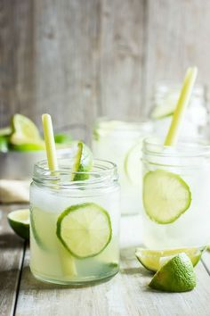 Lemongrass and Lime Cooler. A refreshing drink for the summer. Lemongrass and fresh lime juice served over ice. Refreshing Drinks, Summer Drinks, Fruity Drinks, Lemongrass Recipes, Lemon Drink, Non Alcoholic Drinks, Beverages, Weight Loss Drinks, Party