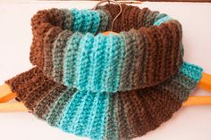 In this video tutorial you will learn how to crochet very easy ribbed cowl. It is very warm and soft. The length of cowl is 40 cm Circumference - 60 cm. I us...