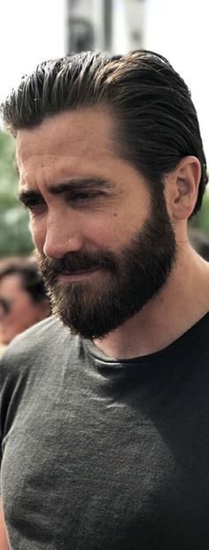 20 BART styles to get you through the winter, # Jake Gyllenhaal Movies, Jake Gyllenhaal Haircut, Bart Styles, Hipster Noir, Hair And Beard Styles, Long Hair Styles, Full Beard, Beard Tattoo, Attractive Men