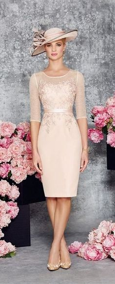 This Elegant Round Collar Light Pink Mid Long Bridal Mother of the Bride Dress is fitted and has astonishing detailing throughout. An absolutely stunning embellished dress and matching jacket in Blush/Ivory. You'll get a superb matching frock coat made fr Mob Dresses, Trendy Dresses, Tight Dresses, Cute Dresses, Beautiful Dresses, Short Dresses, Bridesmaid Dresses, Dresses With Sleeves, Dress Prom