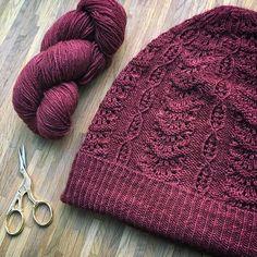 Ravelry: Alfonsine Hat pattern by Zuzana Pohankova Knitting Designs, Knitting Projects, Knitting Patterns, Crochet Patterns, Hat Patterns, Knitting Socks, Free Knitting, Knitted Hats, Diy Knitting Needles