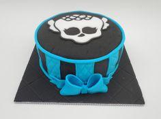 Con Corazón de Azúcar: Monster High Lagoona Blue-Bizcocho Victoria Sponge Cake de Chocolate