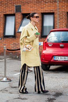 Look Fashion, Fashion Photo, Autumn Fashion, Fashion Outfits, Modest Fashion, Stylish Outfits, Yellow Fashion, Colorful Fashion, Copenhagen Style