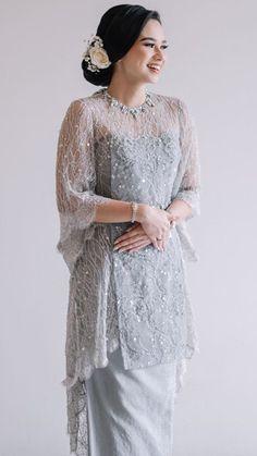 Dress Muslim Modern, Dress Brokat Modern, Kebaya Modern Dress, Kebaya Lace, Kebaya Hijab, Kebaya Brokat, Stylish Dress Designs, Stylish Dresses, Model Dress Kebaya