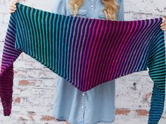 Free Knitting Pattern for Easy Brighten My Day Shawl Diy Crafts Knitting, Knitting Yarn, Free Knitting, Free Knit Shawl Patterns, Sewing Scarves, Diy Cape, Garter Stitch, Knitted Shawls, Knit Crochet