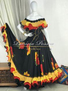 Girls Frock Design, Long Dress Design, Stylish Dress Designs, Long Gown Dress, Lehnga Dress, New Designer Dresses, Indian Designer Outfits, Indian Gowns Dresses, Indian Fashion Dresses