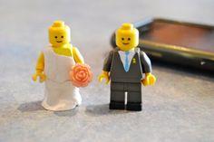 DIY  :: LEGO cupcaketoppers ( link :: http://lauraandfriends.wordpress.com/2012/01/23/cupcake-toppers/ : )
