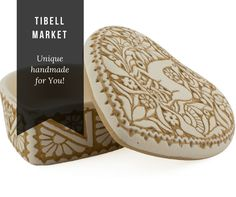 Heart-Shaped Ceramic Jewellery Box - This heart-shaped, jewelley container comes with a lid. The single-fired ceramic has an incised traditional lace decoration on a white, matte surface. This box is perfect for use storing various types of jewellery, but the porous surface is not suitable for direct contact with food!