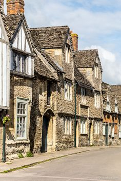 Pretty stone houses in Lacock, Wiltshire, England  #wiltshire #england #town