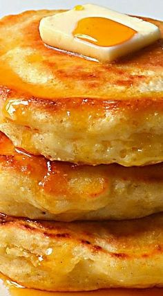 Fluffy Lemon Ricotta Pancakes - I love Cheesecake Factory's Quick Healthy Breakfast Ideas & Recipe for Busy Mornings Breakfast And Brunch, Breakfast Pancakes, Breakfast Items, Breakfast Dishes, Best Breakfast, Breakfast Recipes, Pancake Recipes, Pancakes Easy, Fluffy Pancakes