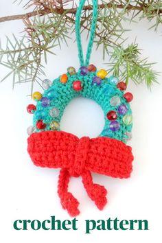 #miniwreath #christmaswreath #wreathornament #crochetwreath #crochetornament #christmasdecoration #crochetpattern #pletionica #christmasornament