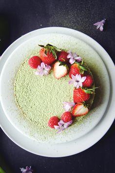 Matcha Butter Cake | La Pêche Fraîche Love the presentation: berries, flowers, will use powdered sugar instead of matcha powder