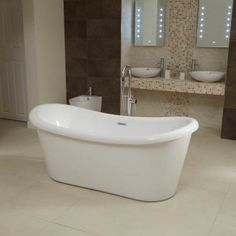 The Saffiano 1750 x 800mm Double Ended Slipper Bath is the ultimate freestanding bath for your bathroom, promising to bring style, depth and charisma to your home. The beautifully finished Acrylic Bath holds a pleasant structure with central tap and waste