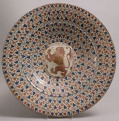 Plate with Heraldic Shield of a Rampant Lion, 1450–75, made in probably Manises, Valencia, Spain