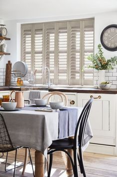 Simple and Impressive Tricks: Bedroom Blinds Rustic living room blinds cleanses.Diy Blinds Roll Up blinds and curtains fun.Blinds For Windows Rollers. Indoor Blinds, Patio Blinds, Bamboo Blinds, Living Room Blinds, House Blinds, Blinds For Windows, Grey Blinds, Modern Blinds, Bathroom Blinds
