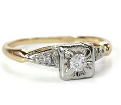 One of the most popular styles for brides-to-be are antique diamond rings. With a mix of old and new design, these rings are no longer a thing of the past. Antique Jewelry, Vintage Jewelry, Princess Rings, Antique Diamond Rings, Cute Wedding Ideas, Glitz And Glam, Pretty Clothes, Vintage Engagement Rings, Interesting Stuff