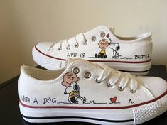 Hand-painted canvas shoes, Washable in washing machine with 30 ° quick wash If you want a different inscription or the inclusion of your dogs name, do not hesitate to ask---> Contact the seller Painted Canvas Shoes, Custom Painted Shoes, Painted Sneakers, Hand Painted Shoes, Custom Shoes, Painted Converse, Converse All Star, Converse Shoes, Custom Converse