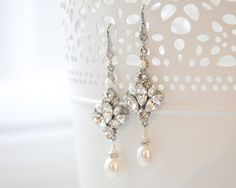 Pearl Chandelier Earrings, Art Deco -- NOTE: for a sweetheart neckline, do no necklace and wear chandelier earrings