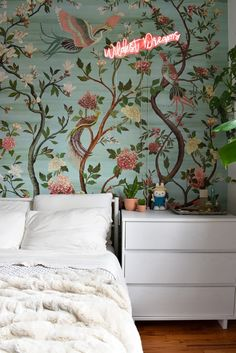 A NYC Studio Shows How to Use Art and Wallpaper to Create Distinct Zones Marble Bistro Table, Nyc Studio, Small Studio, Tiny Furniture, Bedroom Photos, Small Apartment Decorating, Small Apartments, Studio Apartments, Small Spaces