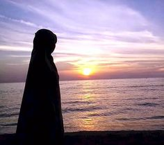 Agent Of Change: ** Seorang Wanita Tak Selamanya Harus Menunggu ** Hijabi Girl, Girl Hijab, Mecca Kaaba, Islam Women, Islamic Cartoon, Hijab Cartoon, Profile Pictures Instagram, Cute Photography, Cute Girl Photo