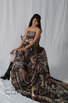 camoflauge prom dresses!! I would so use it as a wedding dress :)