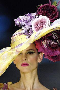 Valentino Spring 2008 Couture Fashion Show Details