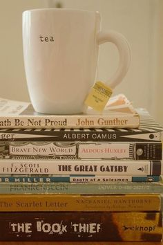tea and books and books and tea Books And Tea, I Love Books, My Books, Chocolate Cafe, Snacks Saludables, The Book Thief, My Cup Of Tea, Book Nooks, Book Lovers