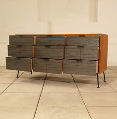 chest of drawers designed by Raymond Loewy manufactured by Menge image 6 Mid Century Modern Kitchen, Mid Century Modern Living Room, Mid Century Modern Decor, Mid Century Modern Furniture, Chest Of Drawers Design, Drawer Design, Furniture Styles, Cool Furniture, Furniture Design