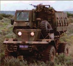 South African Air Force, Defence Force, Armored Fighting Vehicle, Armored Vehicles, Military Vehicles, Soldiers, Art Reference, Tanks, Battle