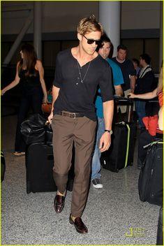 7a7587c8b311 Ryan Gosling wearing Gold Silk Pocket Square, White Dress Shirt, Burgundy  Blazer, and Burgundy Dress Pants
