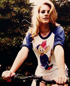 Lana Del Rey. And her shirt is just as adorable as her