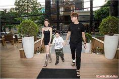Hậu ly hôn Tim  Trương Quỳnh Anh tăng cường mặc đồ đôi
