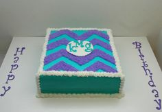 Ice one color all over, let harden, then pipe chevron in a second color